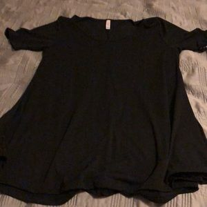 Brand New with tags Lula Roe Perfect Tee